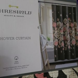 💥🆕️Threshold shower curtain